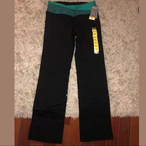 Kirkland Yoga Pants Size Small NWT